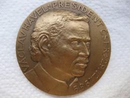 Tchéquie Médaille République Tchèque 1990. VACLAV HAVEL Président Csfr 29 - 12 - 1989 - Non Classificati