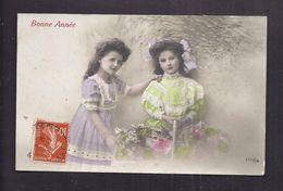 CPA Enfant Fillette S Coiffée S Et Habillée S Avec élégance - Pretty Girl - Photo - Portraits