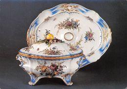 92 - Sèvres - Musée National De Céramique - Terrine Et Son Plateau - Décor Floral Dans Le Style De Meissen - Sevres