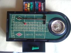 Mini Roulette De 23cm Sur 11 En Metal Et 2 Tiroirs Plastique. Avec Accessoires. 4 Billes+rateau +jetons Et Marque Point. - Other