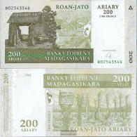 Madagascar Pick-number: 87b Uncirculated 2004 200 Ariary - Madagascar