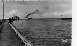 Boulogne-sur-Mer La Jetée Le Phare Le S.S Dinard Bateaux Cargos - Boulogne Sur Mer