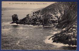 29 CLEDEN-CAP-SIZUN Baie Des Trépassés, Le Menhir - Cléden-Cap-Sizun