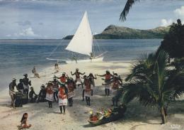 Polynésie Française - Bora-Bora - Danse Plage - Bâteau Voilier - Polynésie Française