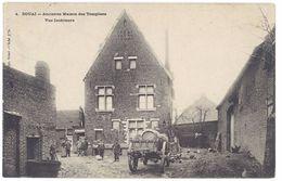 Cpa Douai - Ancienne Maison Des Templiers - Vue Intérieure ( Guerre, Soldats ) - Douai