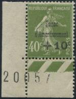 Lot N°2742 France N°275 Coin De Feuille Neuf ** LUXE - Neufs