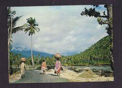 CPSM COMORES - MITSAMIHOULI ( Grande Comore ) - Sur La Route Côtière - TB PLAN ANIMATION - Comores