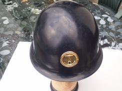 Casque Gendarmerie Maritime Avec Sous Casque,complet Et En Bon Etat - Police