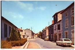 87 - Maisonnais Sur Tardoire - La Rue Principale - Voiture - Cim - France