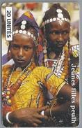 ML.- Telefoonkaart. SOTELMA. MALI. JEUNES FILLES PEULH. 20 UNITES. 2 Scans. - Mali