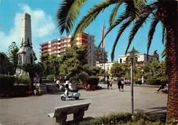 Cartolina Bisceglie Villa Comunale Monumento Ai Caduti - Bari