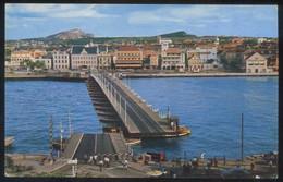 Curazao. Willemstad.  *Willemstad's Famous Pontoon Bridge* Edt. M. Roberts Nº 904. Nueva. - Curaçao