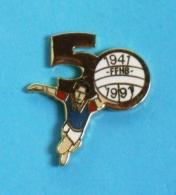 1 PIN'S //  ** 50 ANS ** FFHB ** FÉDÉRATION FRANÇAISE DE HANDBALL ** 1941 / 1991 ** . (Winner) - Handball