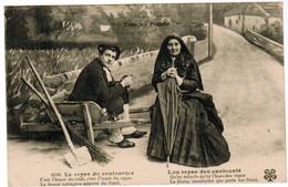 CPA Types De Pyrenées, Le Repas Du Cantonnier, Lou Repas Deu Cantounié (pk41158) - Costumes