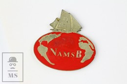 Vintage NAMSB Cloth Trademark - Boat And Earth Globe Advertising Pin Badge - Marcas Registradas