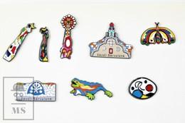 8 Different Antoni Gaudi Barcelona Architecture Work Of Art Pin Badge - Villes