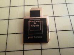 Pin713b Pin's Pins / Beau Et Rare / PARFUMS / VAN CLEEF & ARPELS PARFUM POUR HOMMES - Perfume