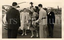Postcard / ROYALTY / Belgique / Roi Baudouin / Koning Boudewijn / Koningin Juliana Van Nederland / Mol / 1960 / SCK•CEN - Elicotteri
