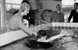 Postcard / ROYALTY / Belgique / Koningin Fabiola / Reine Fabiola / Vlezenbeek / Revalidatieziekenhuis Inkendaal / 1971 - Sint-Pieters-Leeuw