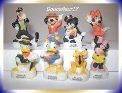 Mickey Et Ses Amis Mat  ... Lot De 8 Fèves... Ref : AFF : 29-2003...(pan 0039) - Disney