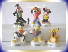 Mickey Et Ses Amis Mat  ... Lot De 6 Fèves... Ref : AFF : 29-2003...(pan 0039) - Disney