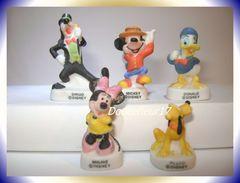 Mickey Et Ses Amis Mat  ... Lot De 5 Fèves... Ref : AFF : 29-2003...(pan 0039) - Disney