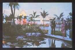 Grand Bahama Island. Freeport. *The King's Inn & Golf Club* Escrita. - Bahamas