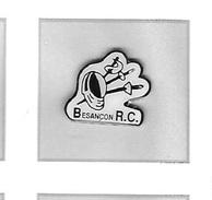 Pin's  Sport  Escrime  Besançon  R.C  à  Besançon  ( 25 ) - Schermen