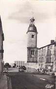 79----SAUZE-VAUSSAIS--la Tour De L'horloge--( Voiture 2CV )--voir 2 Scans - Sauze Vaussais