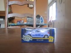 BT10 Renault Toys, Clio Neuve En Boite - Voitures, Camions, Bus