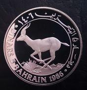 "BAHRAIN 5 DINARS 1986 SILVER PROOF "" World Wildlife Fund"" Free Shipping Via Registered Air Mail - Bahreïn"