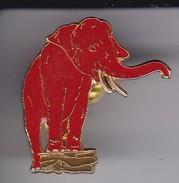 PIN DE UN ELEFANTE  (ELEPHANT) EUROCLIMAT - Animales