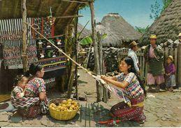 Guatemala, Tejedora De Santiago Atitlan E Indigena De Solola, Weaver From Santiago Atitlan And Native From Solola - Guatemala