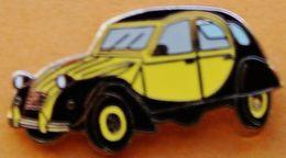 Y 414 )...    2  CV   CITROEN   Pin's Doré - Citroën