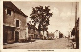 CPA - ARQUIAN (58) - Aspect De La Place Du Marché En 1938 - France