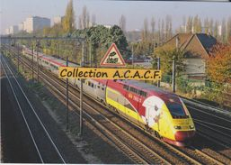 "Rame TGV Thalys PBKA N°4343 (pelliculage ""Tintin""), à Villiers-le-Bel (95) - - Trains"