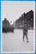 PHOTO Photographie - Forces Françaises D'Occupation Spire SPEYER Allemagne * Défilé Militaire MILITARIA - Guerre, Militaire