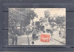"""ROBINSON    La Rue De Malabry     CPA  1912   TRES ANIMEE   Pour CLUNY  """" LE PONT De L'ETANG """"   S.et.L.  Num 39 - Sceaux"""
