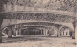 Bg - Cpa VERSAILLES - Crypte De L'Eglise Votive Sainte Jeanne D'Arc , état En Mai 1924 - Versailles