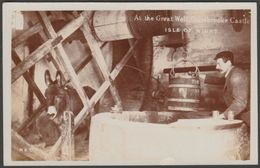 At The Great Well, Carisbrooke Castle, Isle Of Wight, C.1910 - Broderick RP Postcard - England