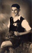 Carte Photo Originale Portrait D'un Jeune Playboy Tirolien En Costume Traditionnel - Culotte Bavaroise - Lederhose - Anonyme Personen