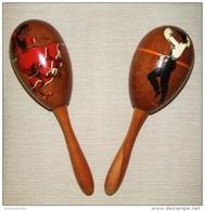 JUEGO DE MARACAS DE MADERA CON FIGURAS DE BAILAOR Y SEVILLANA PINTADOS - Instrumentos De Música