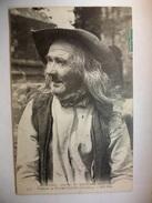 Carte Postale Plomodiern (29) Vieillard En Costume ( CPA Oblitérée 1911 Timbre 5 Centimes ) - Plomodiern