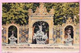 L150A_335 - Nancy -14 Place Stamislas - La Fontaine De Neptune - Grilles De Jean Lamour - Nancy