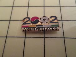 Pin1214d Pin's Pins / Beau Et Rare : SPORTS / FOOTBALL WORLD CUP KOREA 2002 - Badminton