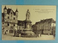 Malines Statue De Marguerite D'Autriche Et Cadran Solaire - Malines