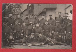 Habelschwerdt  -  Carte Photo  - Soldats Allemands Devant Une Maison -  20/10/1915 - Pologne