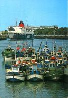 N°60208 -cpsm Boulogne Sur Mer -l'arrivée Du Car Ferry -bateaux De Pêche- - Ferries