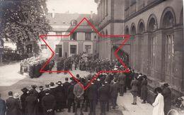 Foto-AK 1920 KOBLENZ - Am Schloss-Kirche, Bestattung Von Dr. Mc Donald, Amerikanische Soldaten (A184, Ww1, Wk 1) - Koblenz