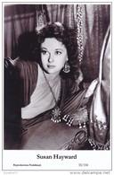 SUSAN HAYWARD - Film Star Pin Up PHOTO POSTCARD- Publisher Swiftsure Postcards 2000 - Postales